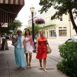 irina-kristina-galina-downtown-0719200909.jpg
